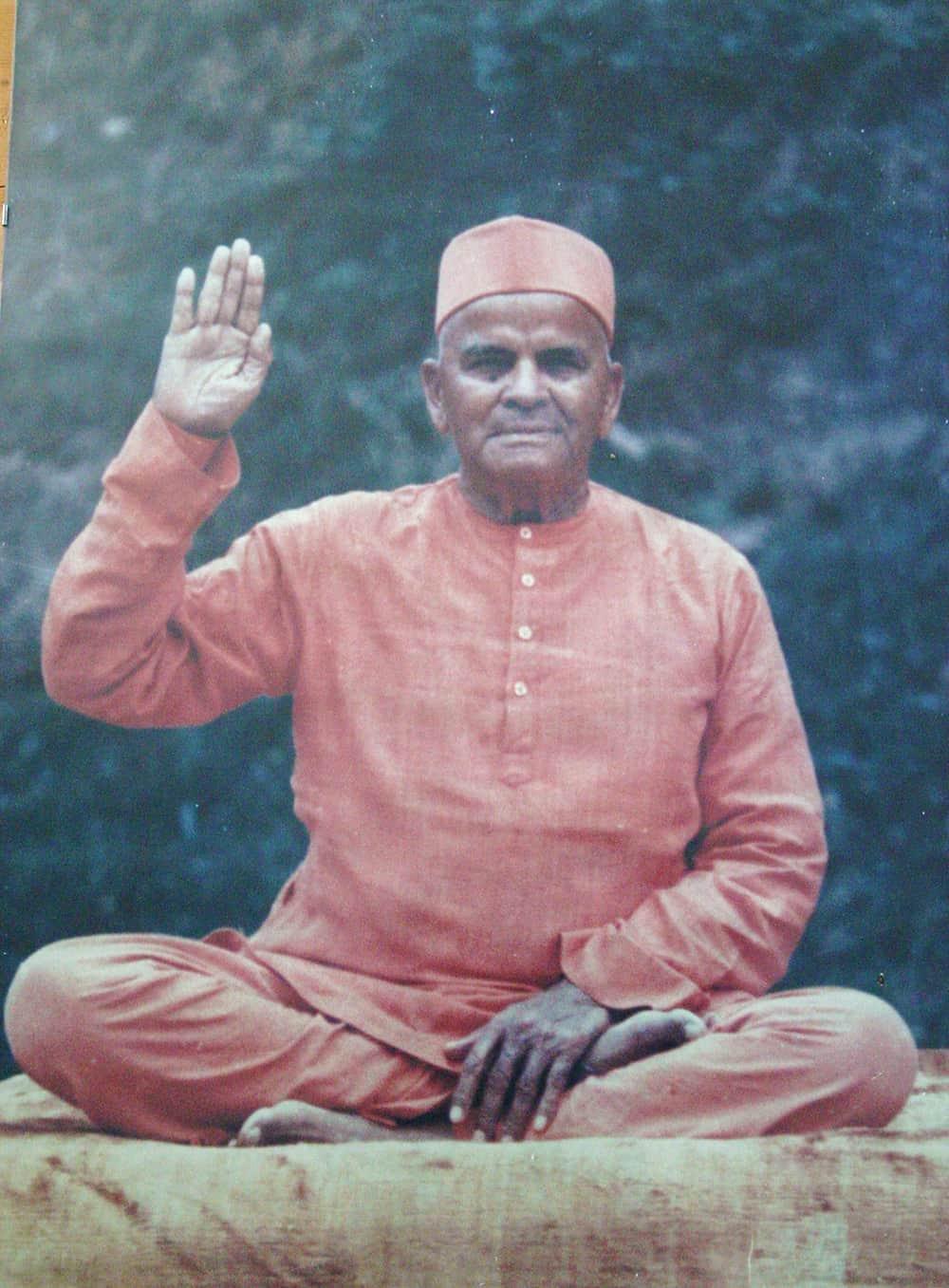 yoga mantova maestro guru