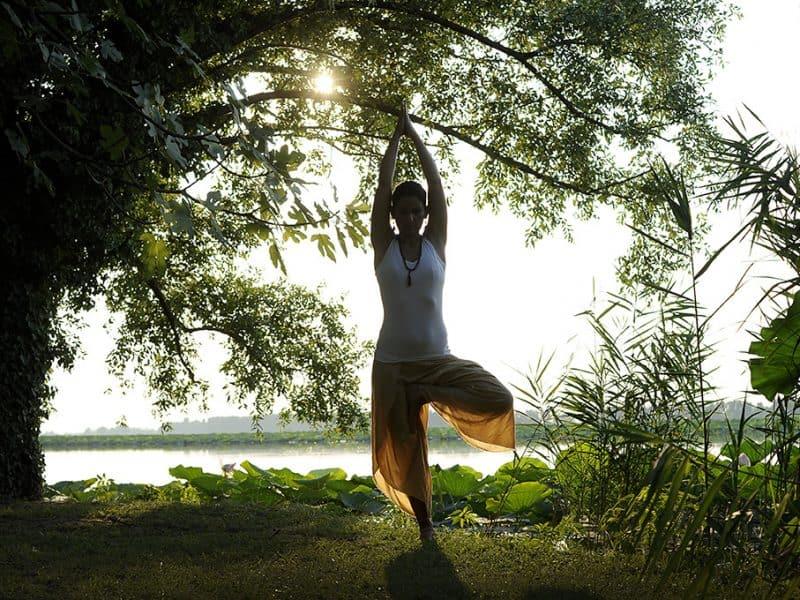 corsi yoga estate online e a Mantova